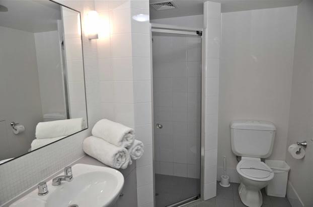 squatters_thredbo_2bedroom_-bathroom6