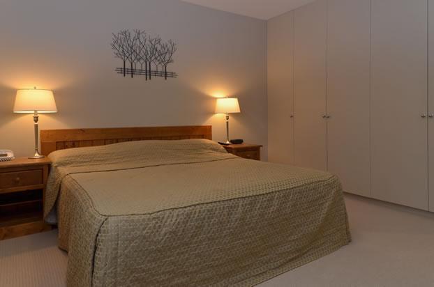 SQ-10-Bedroom-alternate-photo-March-2011-V7K_1445_DxO