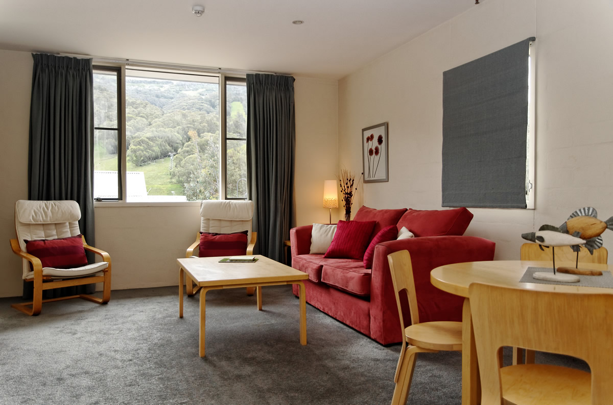 Squatters-Apartments-Lounge