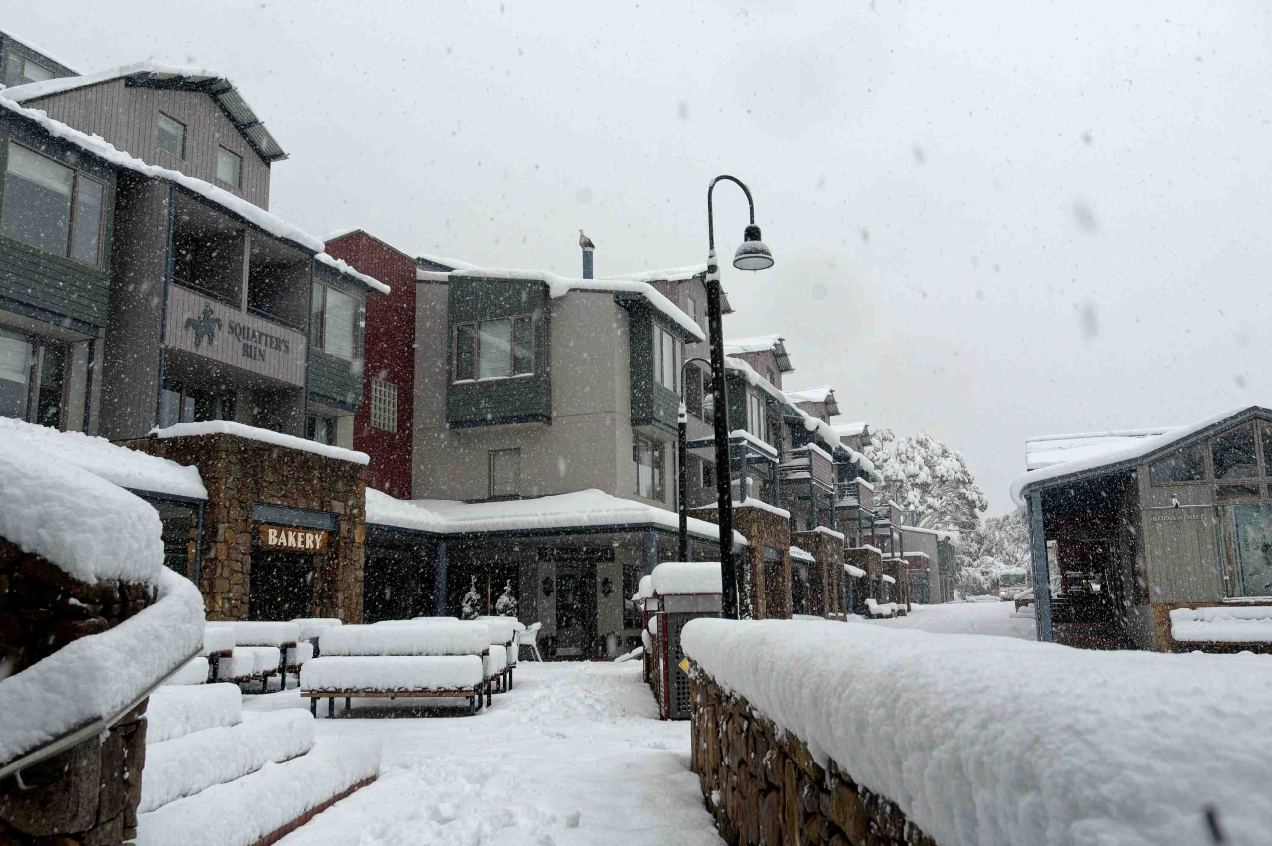 M2-Squatters-Run-Shops-Luxury-Unit-Thredbo-see-squatters.com_.au_-scaled